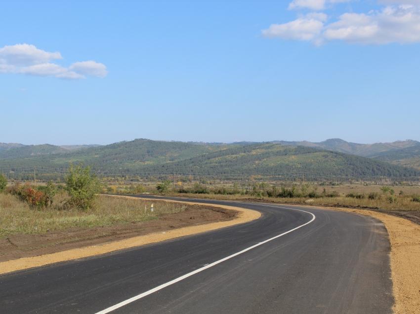 Дорогу к селу Новая Кука в Читинском районе отремонтировали впервые за долгие годы