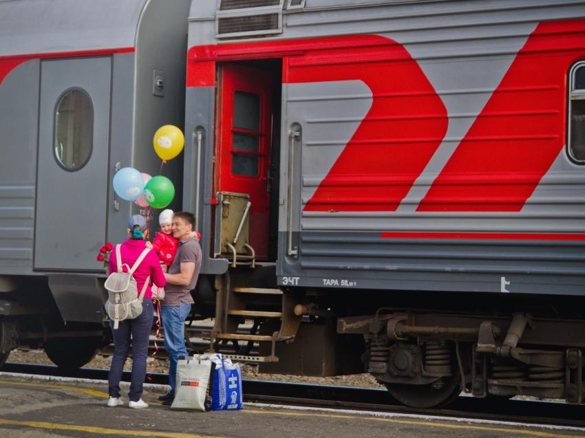 Забайкальцы смогут купить билеты на поезда в июне со скидкой 50%