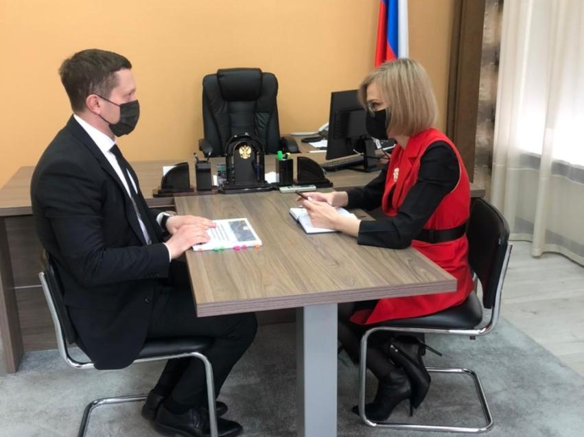 Виктория Бессонова и главный федеральный инспектор по Забайкальскому краю Евсей Васильев обсудили итоги деятельности Уполномоченного