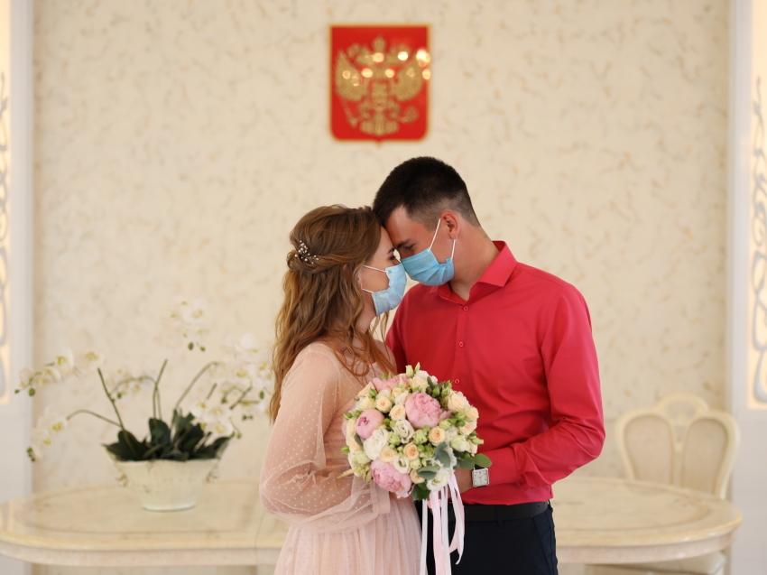 ЗАГС  Забайкалья ограничит состав гостей  на свадьбе из-за коронавируса