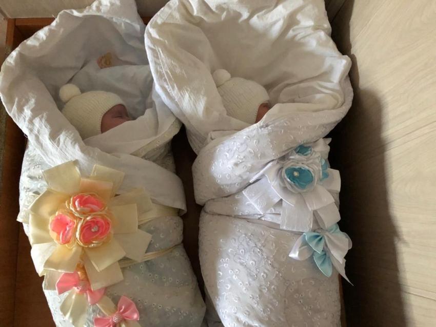 Новорожденных в Кыринском районе назвали Василиса и Леон